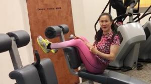亚洲健美冠军 教你做深呼吸运动