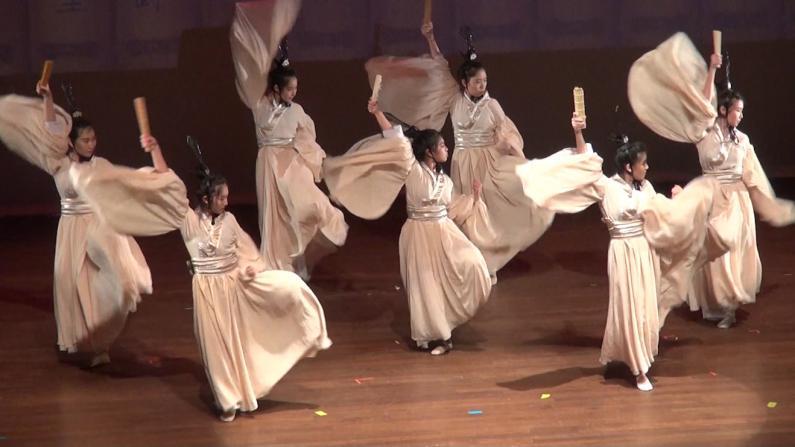 印第安纳大学布卢明顿分校演绎爆款舞剧