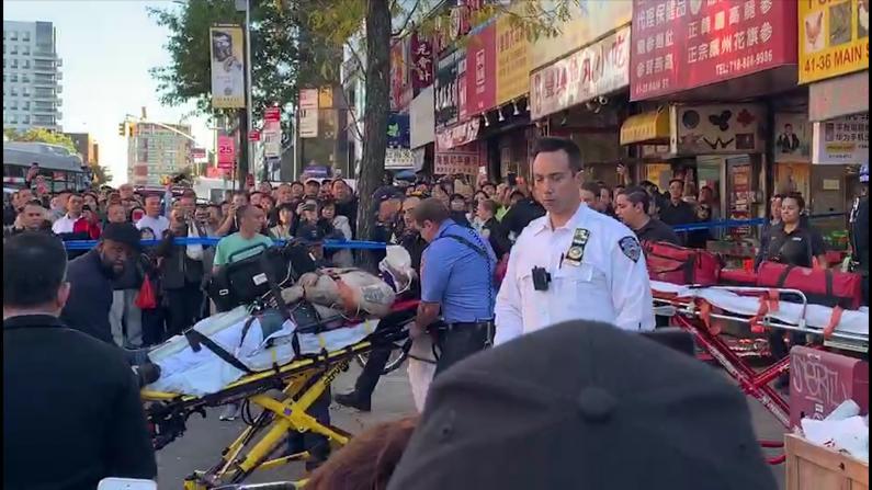 男子纽约法拉盛闹市区跳楼 送医不治身亡