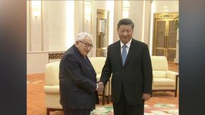 习近平晤基辛格:中美关系处关键当口 面临困难和挑战