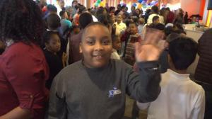 华特儿童基金会感恩节联欢 近千特殊儿童同乐