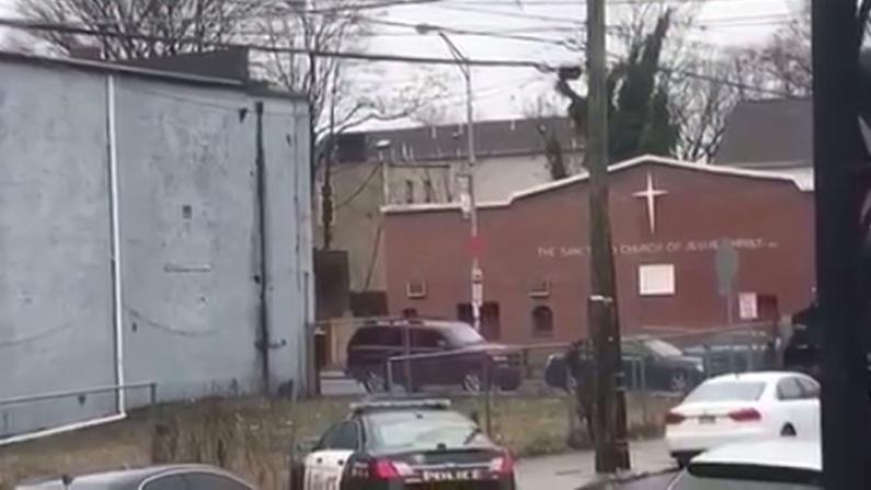 新泽西警匪大战1小时 枪响如爆豆