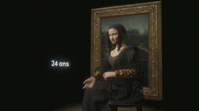 用VR看蒙娜丽莎的微笑