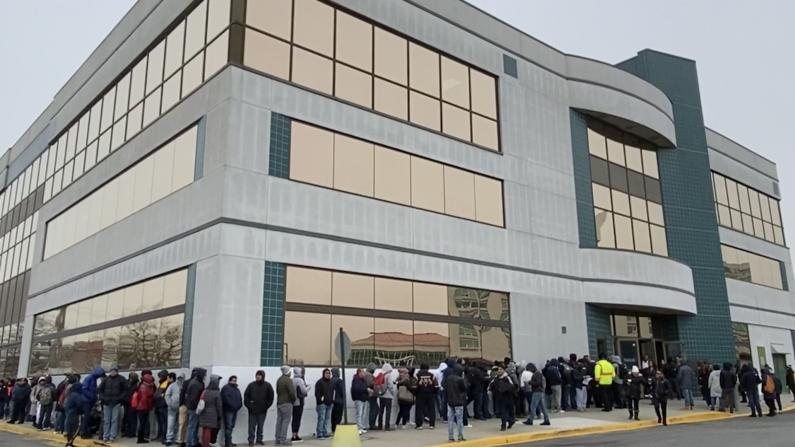 纽约无证移民12/16起可申请驾照 上百人排队