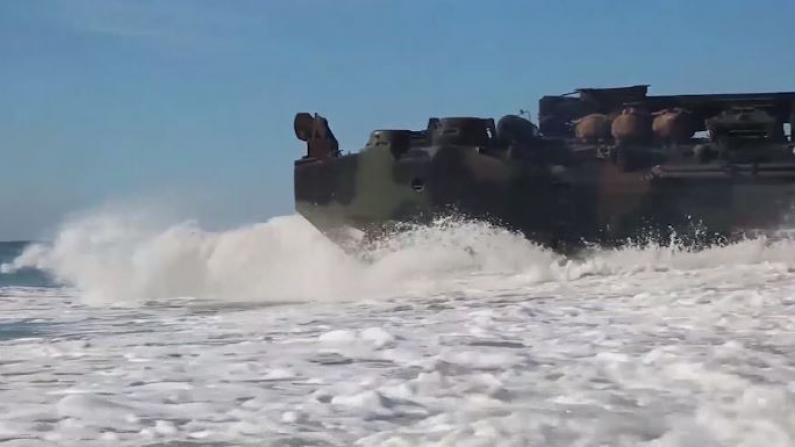 美伊紧张,海军陆战队部队中断演习开赴前线