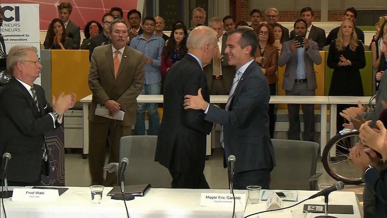 拜登南加造势获洛杉矶市长背书 两天行程收获颇丰