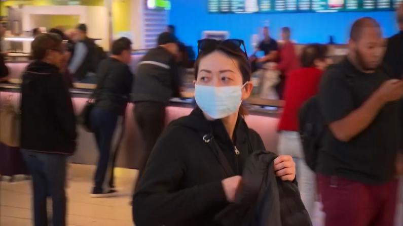 洛杉矶疑似病例被隔离 机场戴口罩游客增多