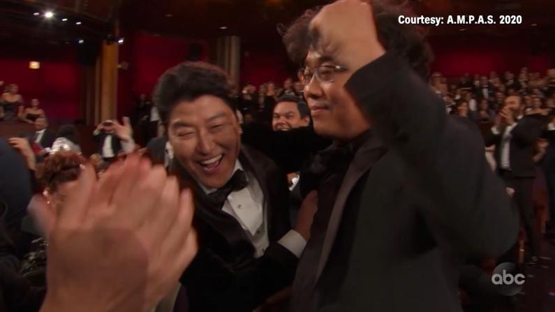 """韩国《寄生虫》奥斯卡重磅四奖 """"最合适的时机已经来临"""""""