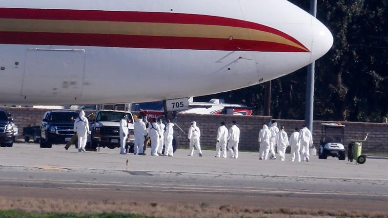 【细节】5架飞机撤侨800人 有人解除隔离也有人确诊患病