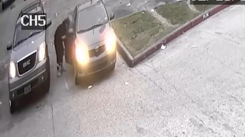 【监控】休斯敦5岁男孩险遭偷车贼绑架
