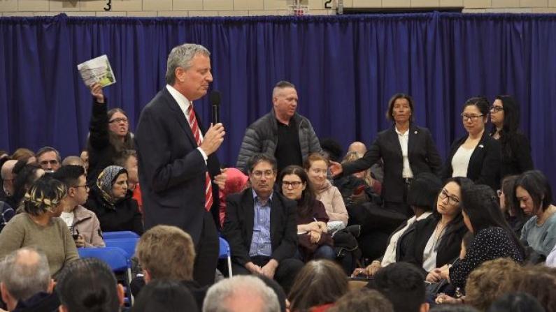 """""""纽约将变犯罪之城!"""" 市长因治安、监狱问题再遭怼"""