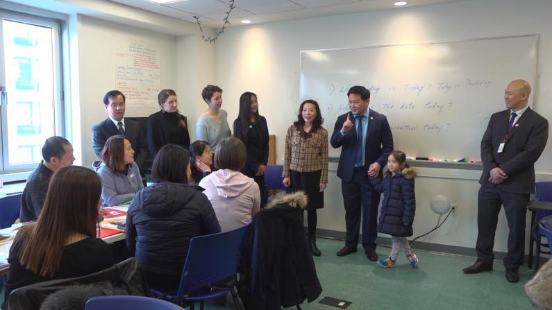 5万人将受益!纽约州议员推新移民免费英语课