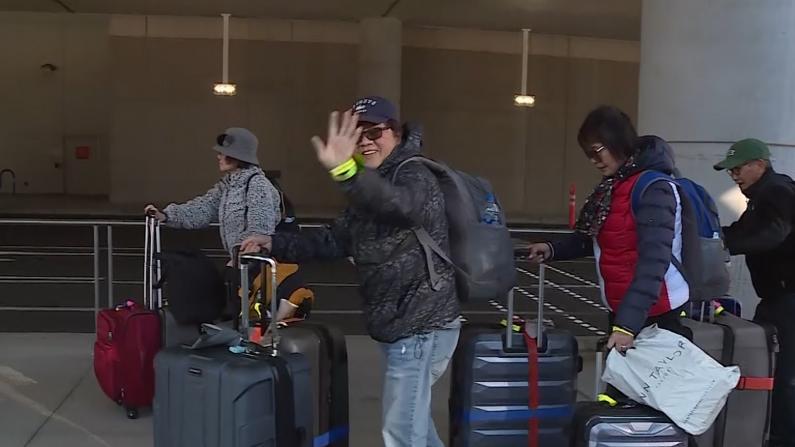 解除隔离! 140名钻石公主号乘客离开加州空军基地返家