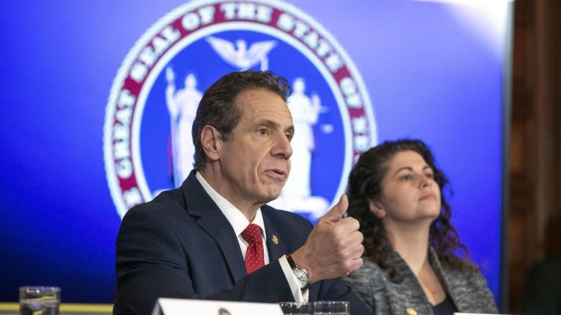 纽约州立/市立大学300海外学生将乘包机回纽