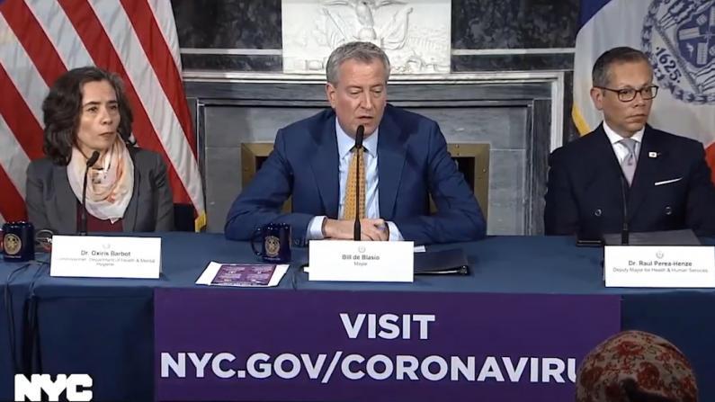 纽约市长:我们没有建议不戴口罩