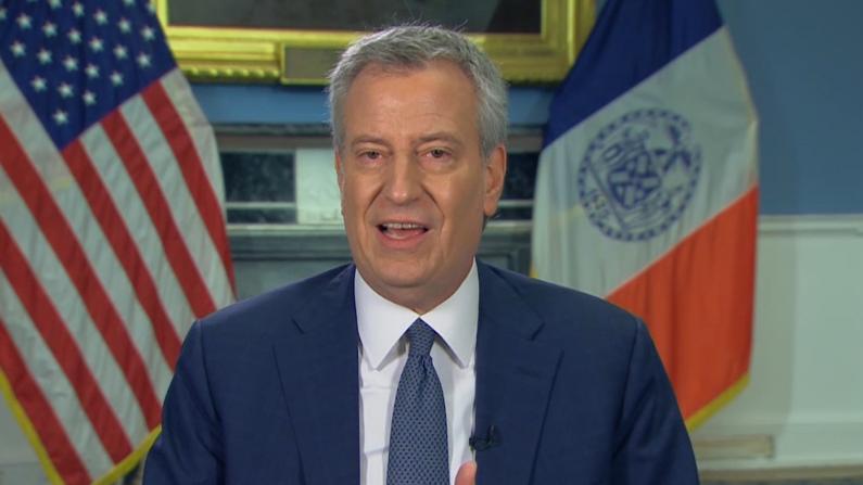 """纽约市长:医院将在2-3周后""""弹尽粮绝""""!"""