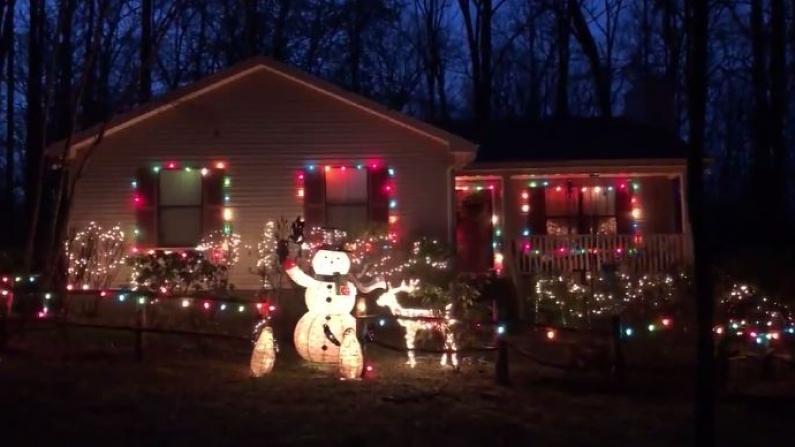 三月里的圣诞节 歌声带来希望