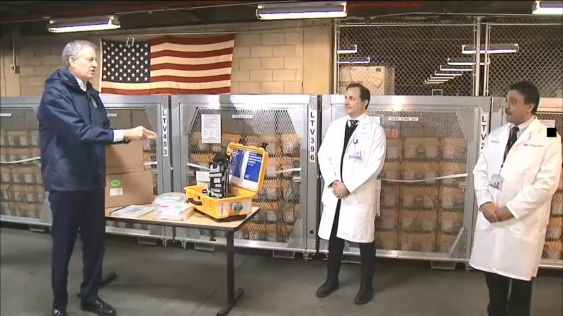 【现场】纽约市接收400台呼吸机急赴一线救命