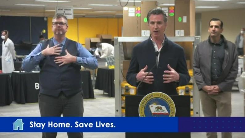 """呼吸机不足目标一半! 加州350家公司紧急""""改行""""生产"""
