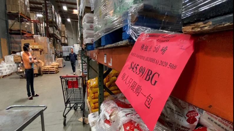 """居家令第二周:洛杉矶超市货品充足 严格遵守""""社交距离"""""""