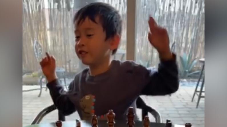加州4岁男孩对话冠状病毒:你表现好我送你礼物