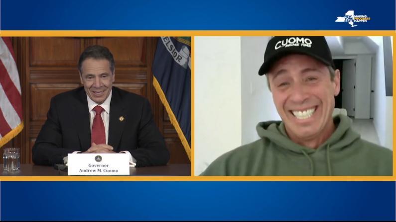 纽约州长连线确诊胞弟 兄弟互动又有爱又搞笑