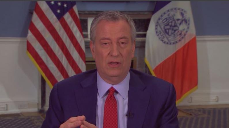 纽约市长白思豪:只能挺到周日,不知下周会怎样