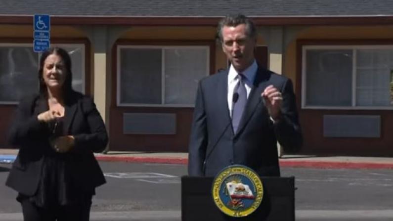 疫情期间流浪汉怎么办?加州提供7000酒店客房包一日三餐