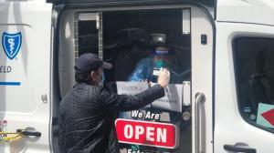 纽约推流动检测车上门服务5分钟取样 亚美医师协会:降低公共场合交叉感染风险