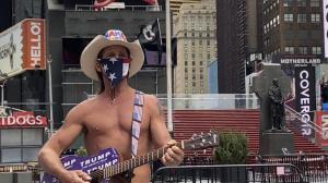 时报广场的裸体牛仔:听寂寞在唱歌