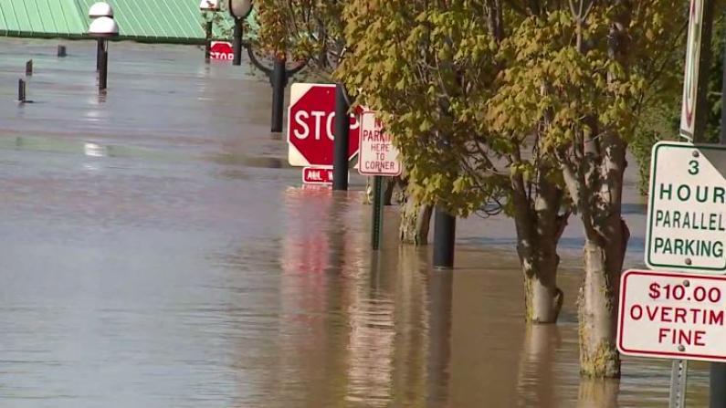 疫情还没走,洪水又来袭 多地面临双重考验