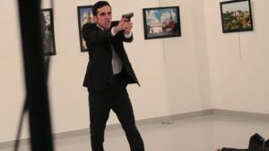 又一起恐怖袭击!俄罗斯驻土耳其大使遇袭身亡 枪手是警察