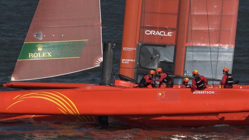 国际帆船大赛纽约站 第一日状况频发
