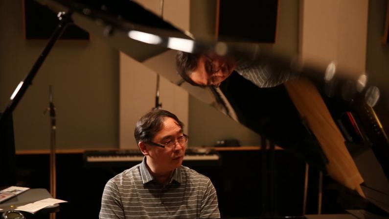 餐厅打工被星探挖掘 好莱坞华裔音乐人的事业成就