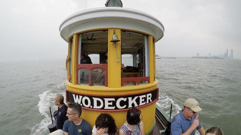 纽约最老木船 坐它就像坐海上过山车