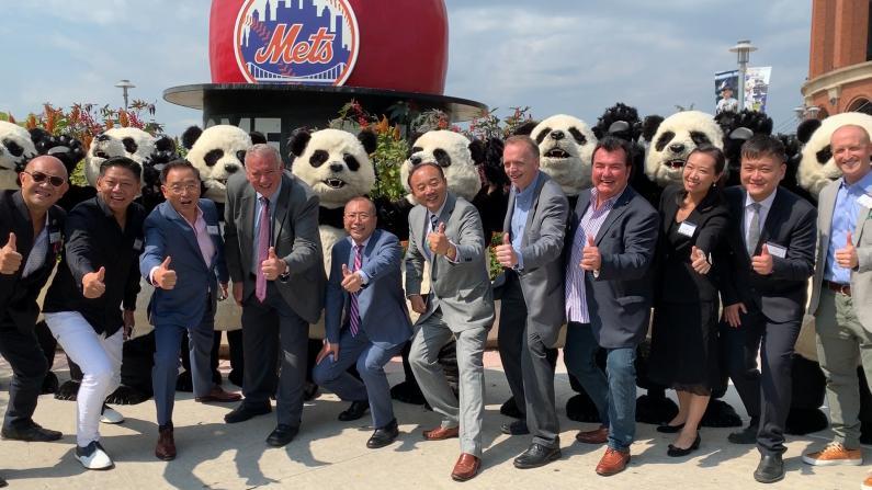 北美最大彩灯艺术展Hello Panda Festival 12/6首登纽约花旗球场