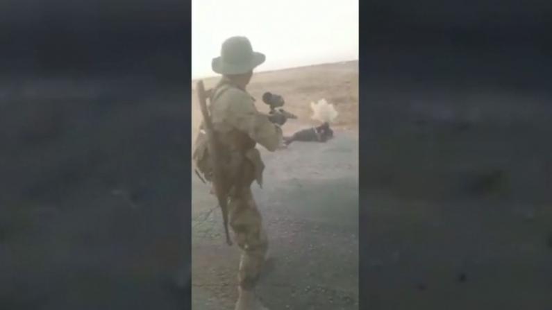 CNN曝光疑似土耳其武装鞭尸库尔德人视频