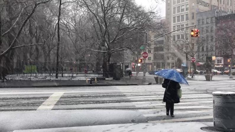 """纽约市大雪 市长发布""""蓝色预警"""""""