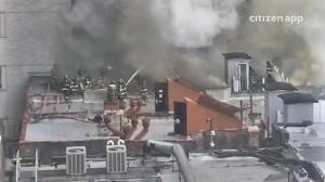 圣诞节不太平 纽约曼岛公寓大火4人伤
