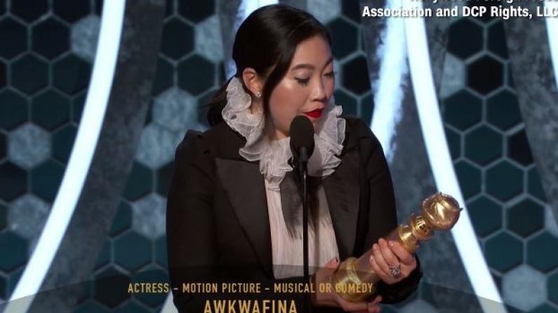 金球奖诞生首位亚裔影后 奥卡菲娜领奖时特意用中文感谢她