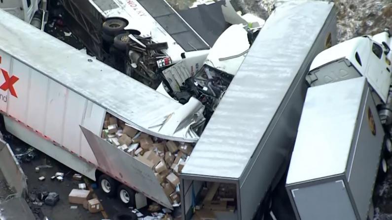宾州警方还原大巴车祸细节 事故巴士公司竟是电脑行?