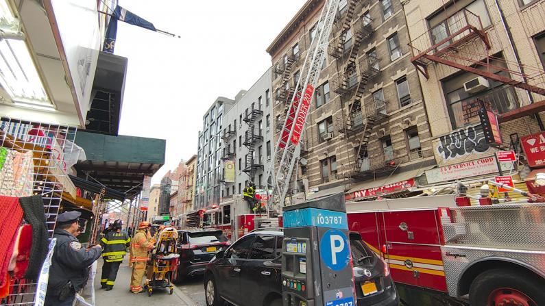 纽约华埠5天2起大火 茂比利街礼品被烧损失惨重