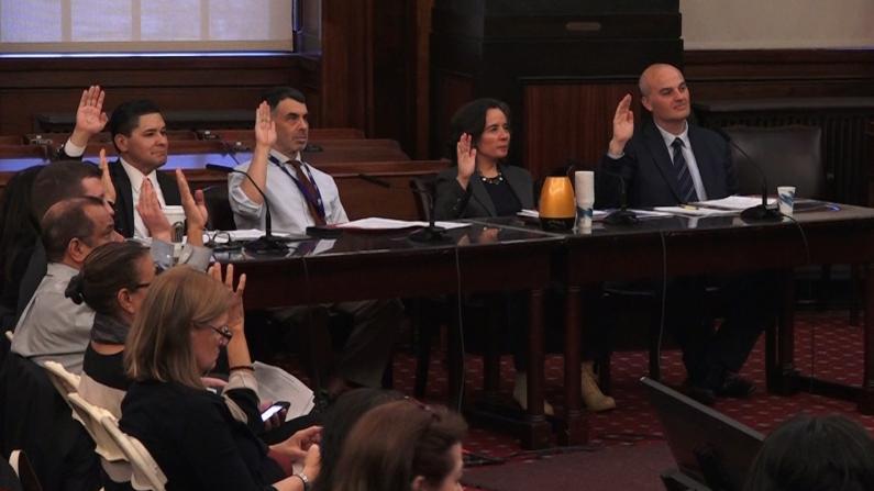 """""""是否公开透明有效""""纽约市议会质询市府多项防疫措施"""