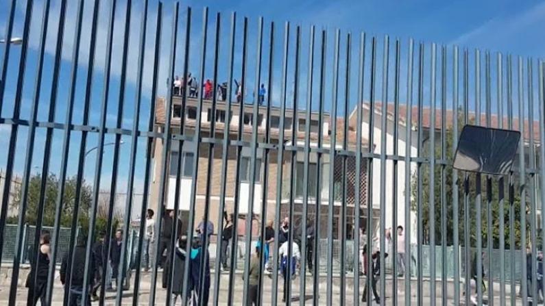 多所监狱发生暴动事件 意大利总理宣布全国隔离