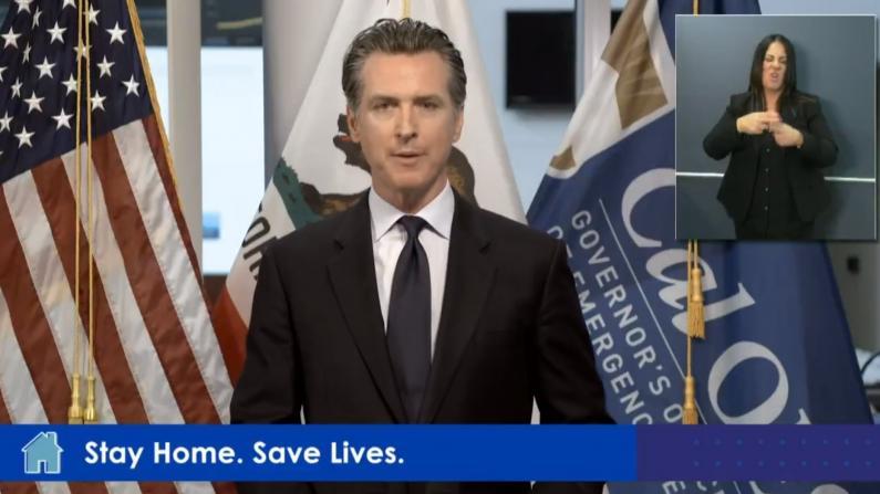 """""""我们需要你!"""" 加州州长征召医务人员对抗疫情"""