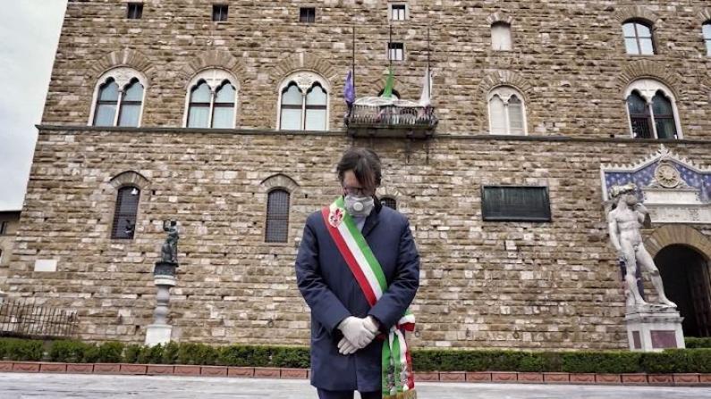 意大利全国降半旗默哀1分钟 悼念新冠逝者