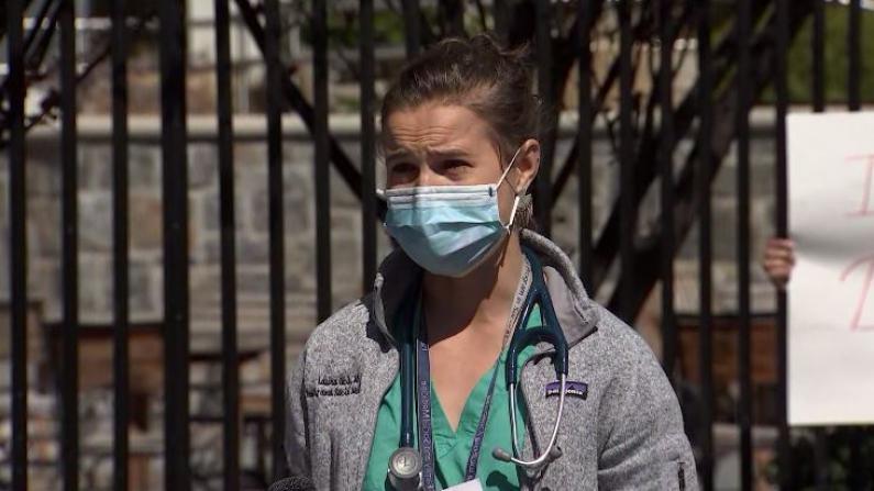 """""""我们死了谁来操作呼吸机?!""""纽约等地护士愤怒要求防护装备"""