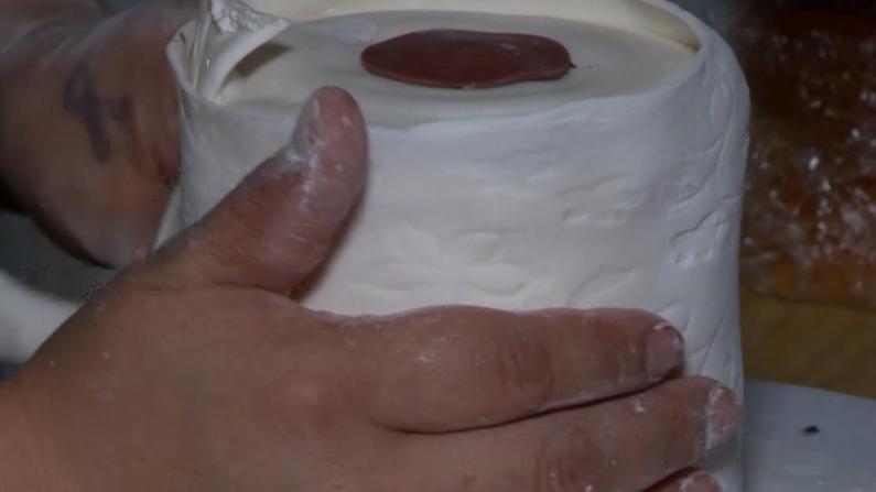厕纸受宠 蛋糕也来凑热闹!