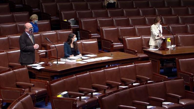 疫情下,国会开会也变了样……