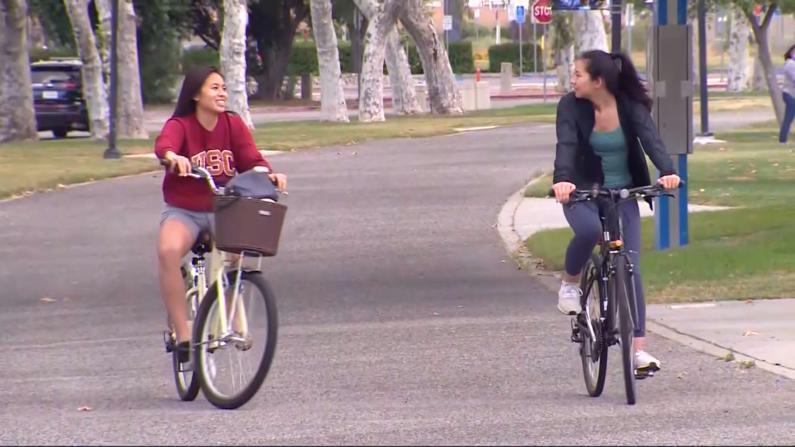 学生有看法!加州大学和州立大学秋季继续网课